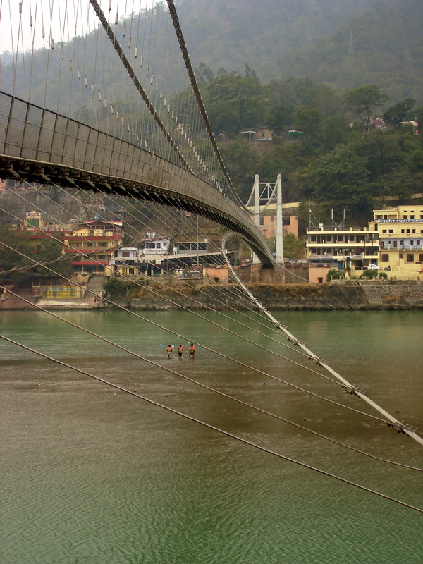 Where in Rishikesh you can find yoga schools and ashrams
