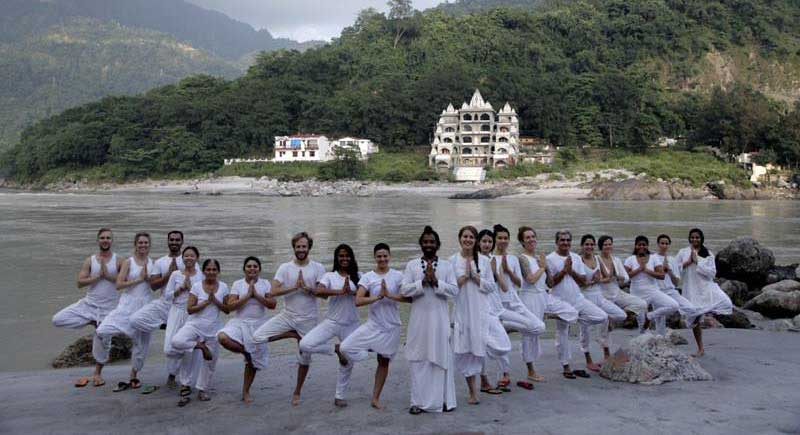 Jitendra Das hatha yoga school in Rishikesh