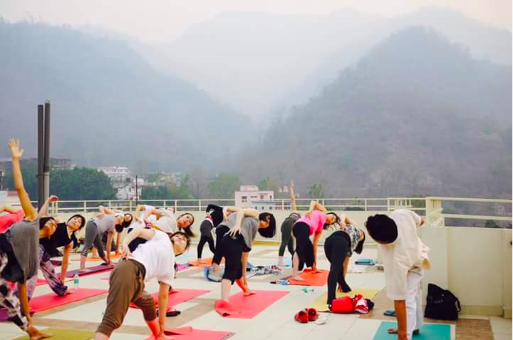 A class of Rajendra Pandey on the rooftop of Rishikesh yoga centre