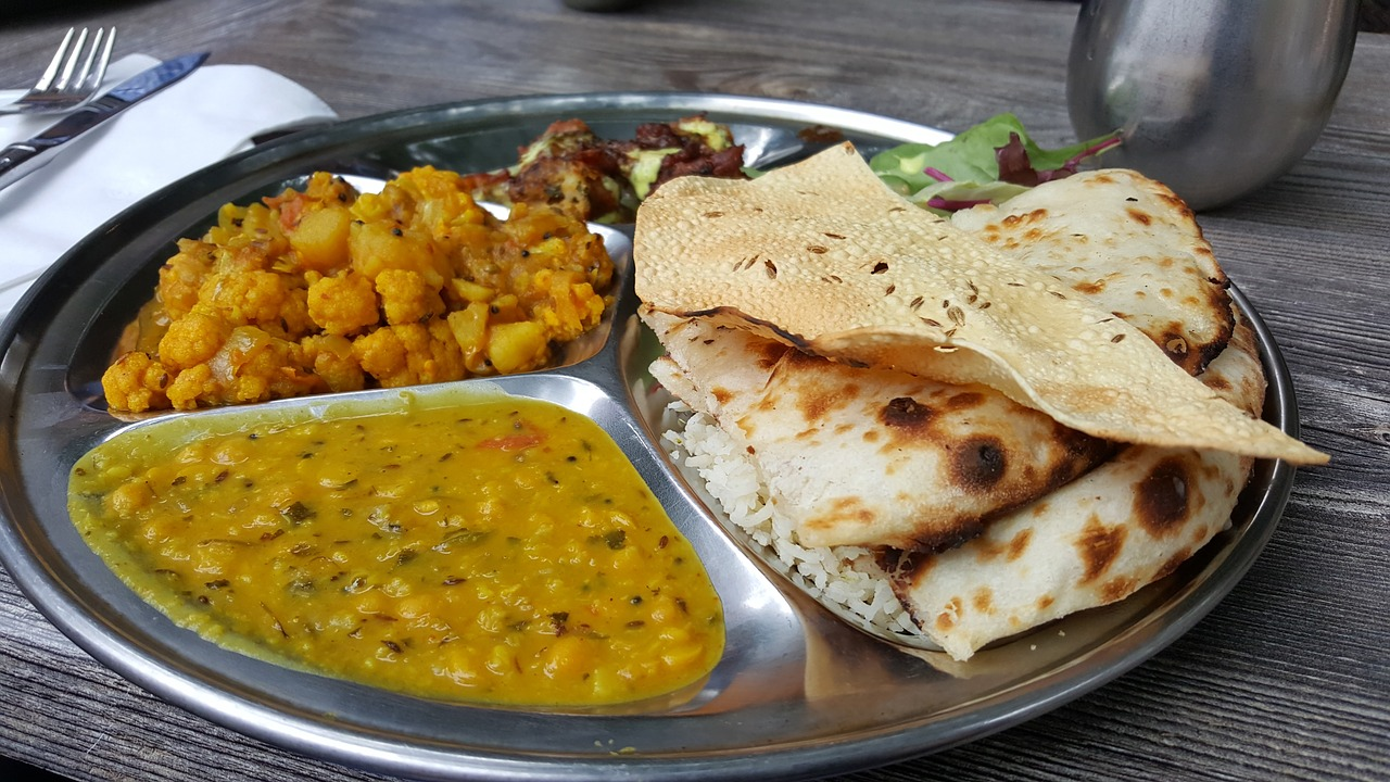 Indian food thali what to eat in Rishikesh