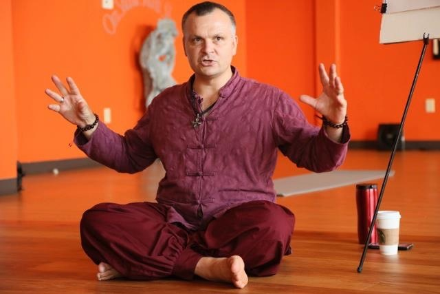 Andrey Lappa yoga teacher of Universal Yoga in Kiev