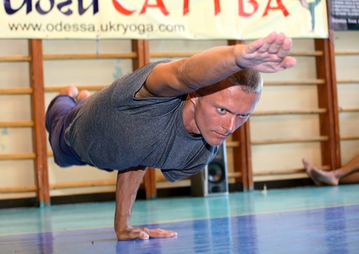 Slava Gutsaluk hatha yoga and pranayama instructor in Kiev
