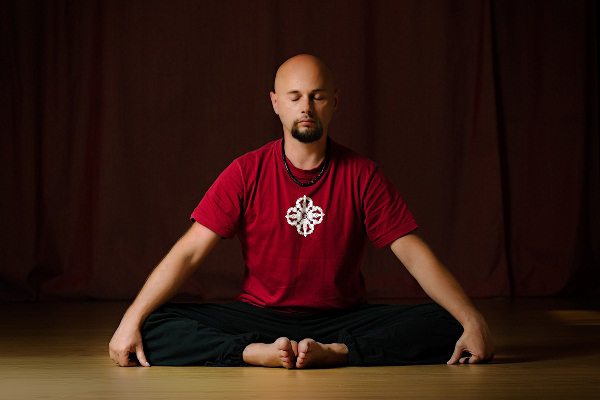 Anatolii Pakhomov correct approach to the spine and Vajra Yoga