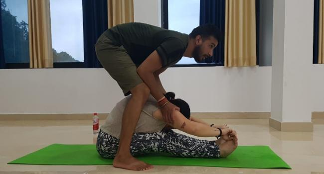 Йога мероприятие 200 Hour Hatha Yoga Teacher Training in Rishikesh India  Ришикеш