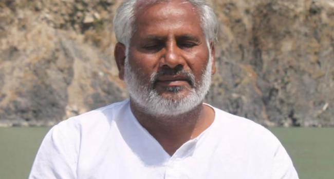 Yoga instructor Yogi Buddhi Prakash Rishikesh