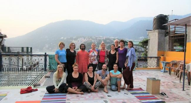 Yoga studio Himalayan Yoga Retreat Rishikesh