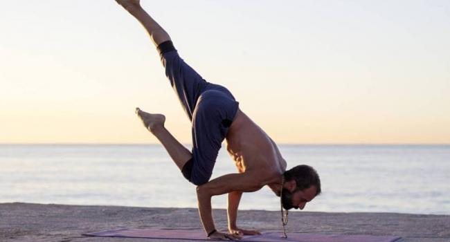 Yoga instructor Marcos Gutierrez Mantilla Barcelona